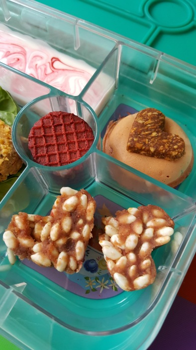valentines lunch ideas kids yumbox.jpg