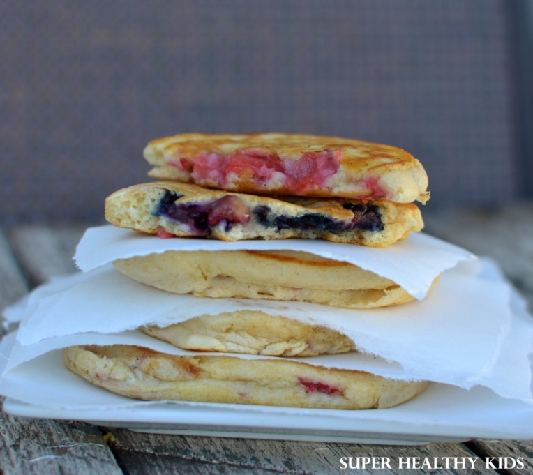 pancake-pockets-with-berries-shk